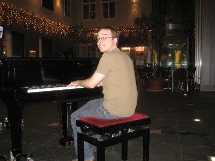 Evan Playing Piano, Haus der Musik, Vienna